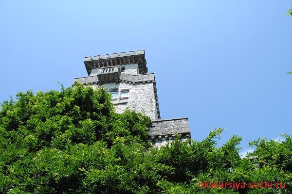 Башня Ахун фронтальный вид