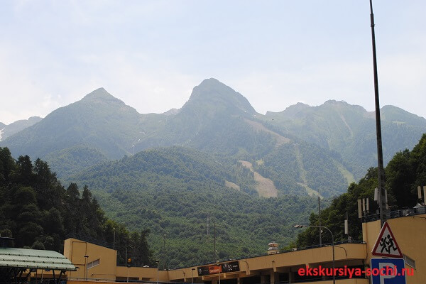 Вид на гору Аибга