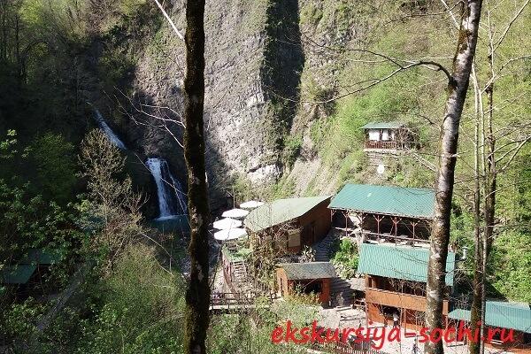 Вид на первый водопад с высоты
