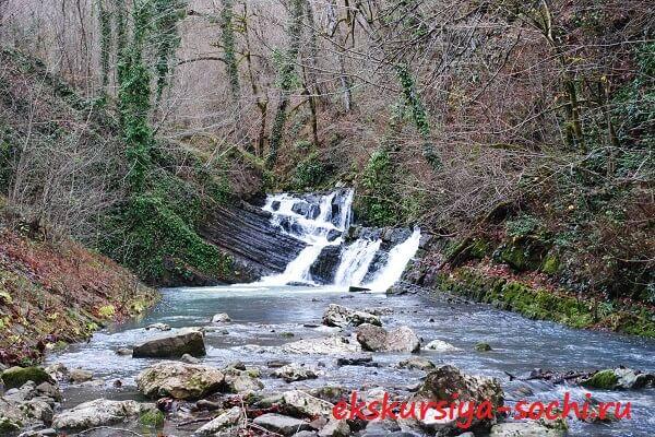 Второй водопад на Змейке